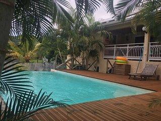 Grande maison avec accès piscine