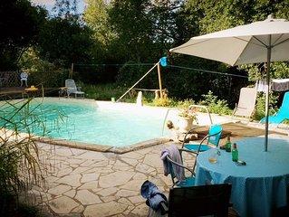 Traditionnel Maison en pierre /piscine / calme et romantique/ Perigord noir
