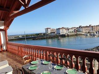 Appartement spacieux sur le port de St Jean de Luz... tout accės à pied...