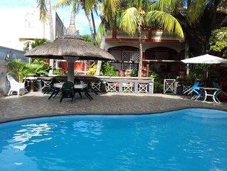 Grande villa avec piscine and vue mer
