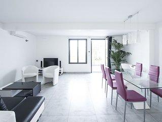 Appartement design sur jardin, dans villa à Marseille, port de la Pointe Rouge