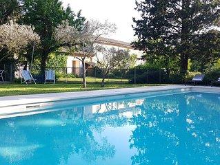Entre Avignon&Ventoux. Mas Provencal ombrage. Parc 1ha1/2. Gde piscine securisee