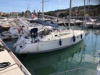 Superbe voilier a Saint Jean cap Ferrat Riviera Francaise entre Nice et Monaco