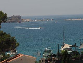 Location maison Sanary sur Mer,  vue mer baie de Bandol, acces direct plage