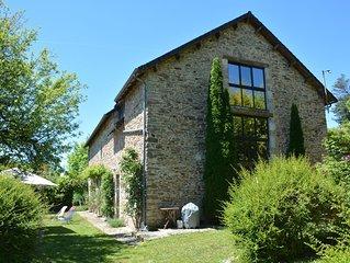 Spacieuse maison de vacances avec piscine a proximite de Beaulieu sur Dordogne