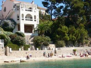 Magnifique villa neo-classique provencale, les pieds dans l'eau