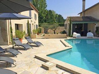 Joli mas Provençal avec piscine privée, aux portes du Luberon et des Alpilles