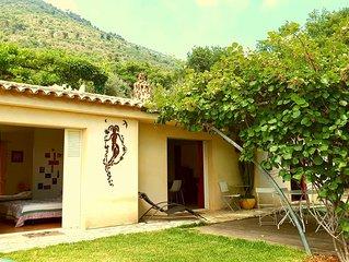 Maison  principale de 90m2 avec jardin, au calme entre mer et montagnes
