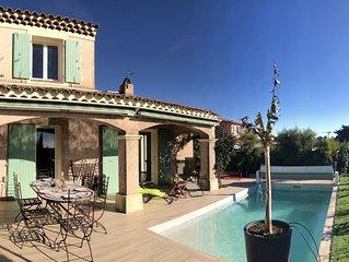 Superbe villa avec piscine, entièrement rénovée, parking, clim, wifi, vue mer