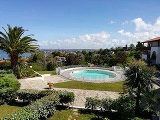 Residence Grand Standing avec parc arbore piscine privee, plage a pieds vue mer