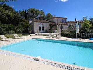 Belle villa climatisée à Poulx, proche de Nîmes, Gard, piscine privée