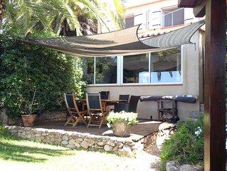 Maison de charme avec cuisine d'été et vue panoranique sur la baie