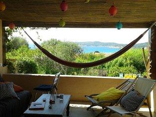 maison vue mer à 10 mn à pied de la plage du Péro dans une résidence calme