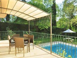 Maison de charme avec piscine privee en bordure de riviere entre Avignon et Uzes