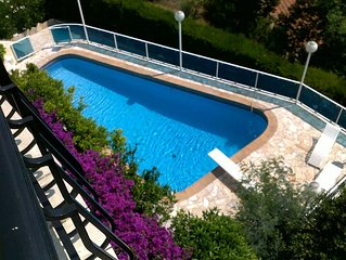 Appartement 4 pieces 6 pers-piscine privee-vue mer exceptionnelle-cheminee-WIFI