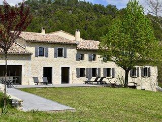 LA TANIERE Maison de famille Drome provencale