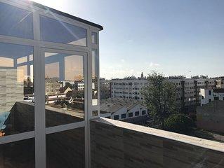 Grand studio au 5ème étage avec vraie terrasse