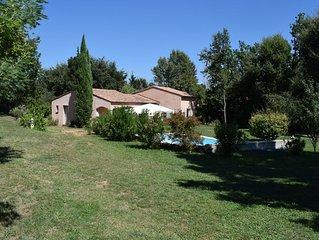 Maison de charme *** en Provence avec piscine privee dans un ecrin de verdure
