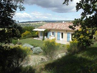 Maison sur les collines de Provence avec vue sur vignoble...
