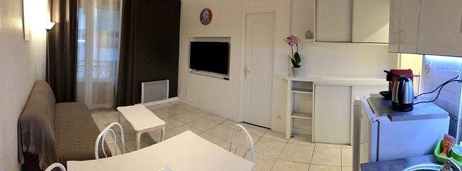 chambre à louer avec cuisine et salle d'eau