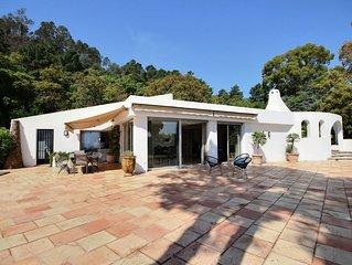 ESTEREL, villa contemporaine de plain pied , vue mer