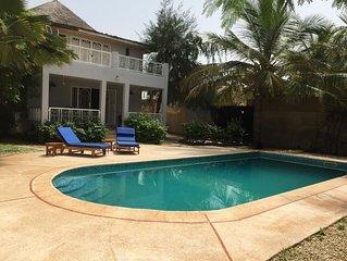 Magnifique villa grande piscine privée, wifi, canal+, à 50m de la plage