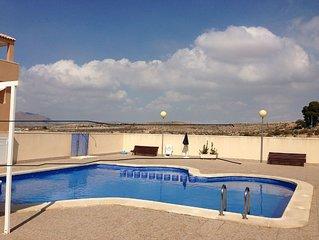 Appartement neuf avec grande terrasse dans petite copropriété avec piscine