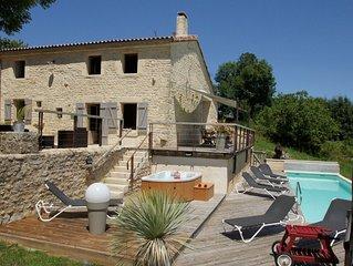 Gîte de charme avec piscine chauffée et spa proche du Marais Poitevin