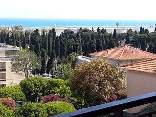 Vue panoramique sur la mer depuis Manton jusqu'à Grasse 10 mn Mer