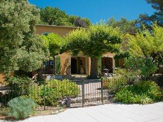 Mas de Bacalan, pied du Mont Ventoux, Mormoiron en Provence - Vaucluse