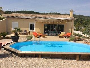 Villa de charme neuve avec piscine pres d'Aix-en-Provence et du Luberon