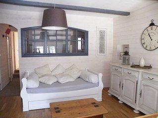 Maison SANARY/MER -à proximité PORT et PLAGE - Déco. Soignée- Au Calme- INTERNET