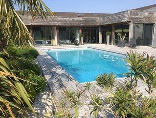 --Pool house Bayeux--