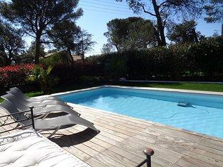 Maison neuve, moderne de plein pied pour 6 personnes avec piscine et jacuzzi