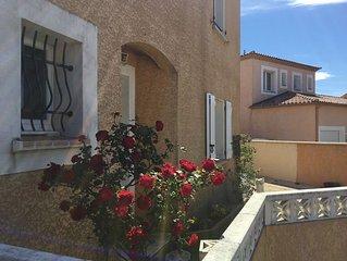 Maison avec jardin et piscine, garage