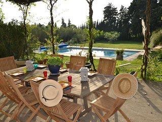 SUPERBE MAS 18ème de 300m2, jardin paysager de 7 500m2 et piscine (12x8)