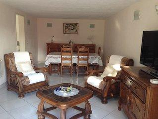 Appartement type T2 de 40 m2  en rez de jardin de villa