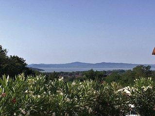 Villa de 2010 avec piscine privative. Superbe vue sur le Lac Trasimeno.