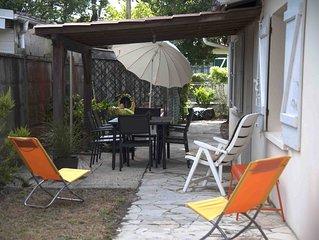 MAUBUISSON-Petite maison du canal et bord de plage.