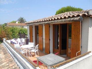 Appartement T2 dans petite residence securisee a 150 m de la plage des Lecques