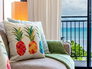 Maui 5 Star Reviews! BEACH FRONT Just steps to Sand!A/C Living Room*Hono Kai C1*