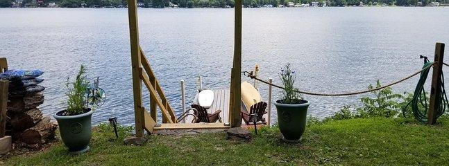 New Listing! Beautiful Retreat w/Amazing Views. Kayak. Lakefront. Free WiFi