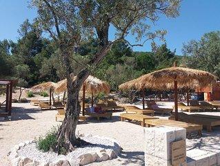 Maya romantic apartment near the sea