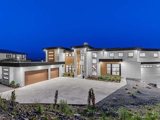 Executive Luxury home 4 Bdr, 4.5Bath in Abbotsford
