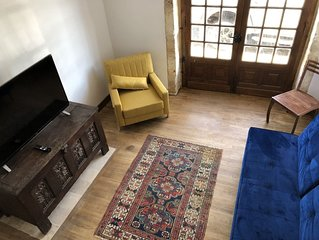 'Gite' De Charme, magnificent terrace, 2 bedrooms, renovated 2019, inside Domme!