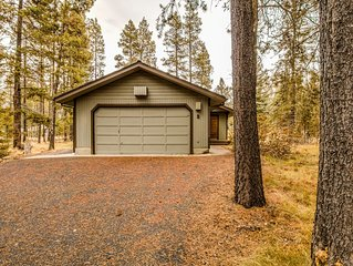 3 Bedrooms + Family Room, Hot Tub, ADA Accessible, W/D, Gas Fireplace -FILB03