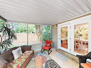 Quiet Retreat w/ Screened Porch & Fenced Backyard: Near Beach &  Charleston