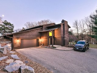 Private 4BR/3BA in Minnetonka Superbowl ready! + Vehicle