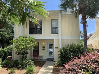 Spacious Sandestin home on golf course with 6 seater golf cart awaits you!