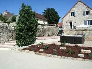 BURGUNDY MEURSAULT Luxury Stone House in Vigneron's Barn overlooking vines